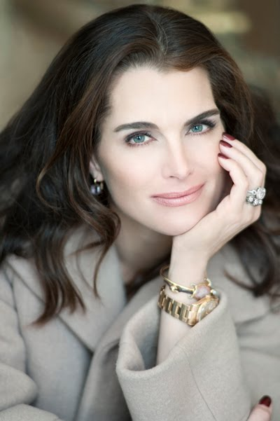 Brooke-Shields-HEADSHOT-high-r400